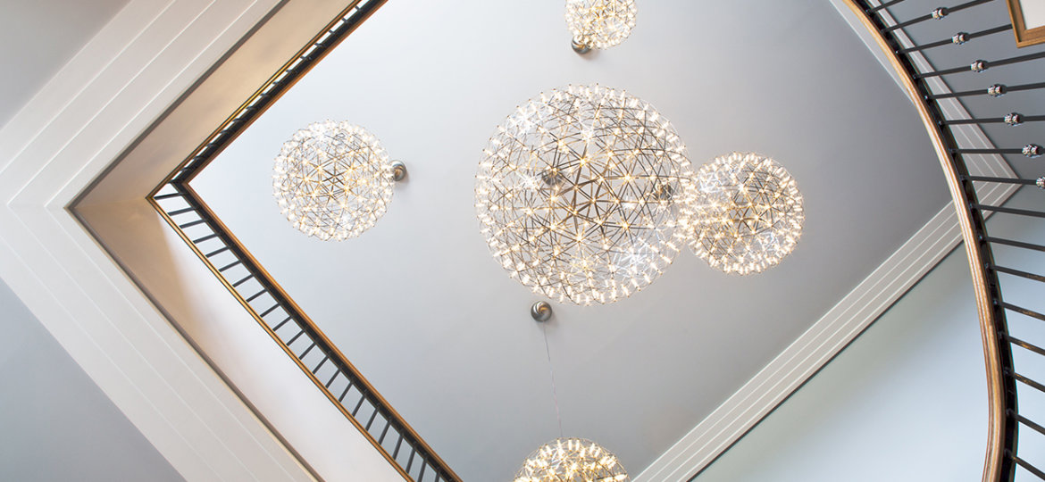 5_luxury_chandeliers_for_your_home_peter_staunton_interior_design_leamington_warwick_warwickshire_midlands_Flint_Hall_entrance